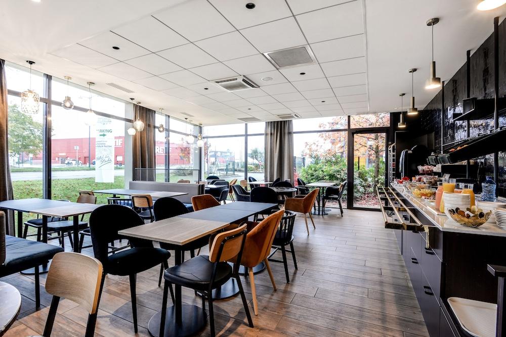 브릿 호텔 두 스타드(Brit Hotel Du Stade) Hotel Image 17 - Breakfast Area