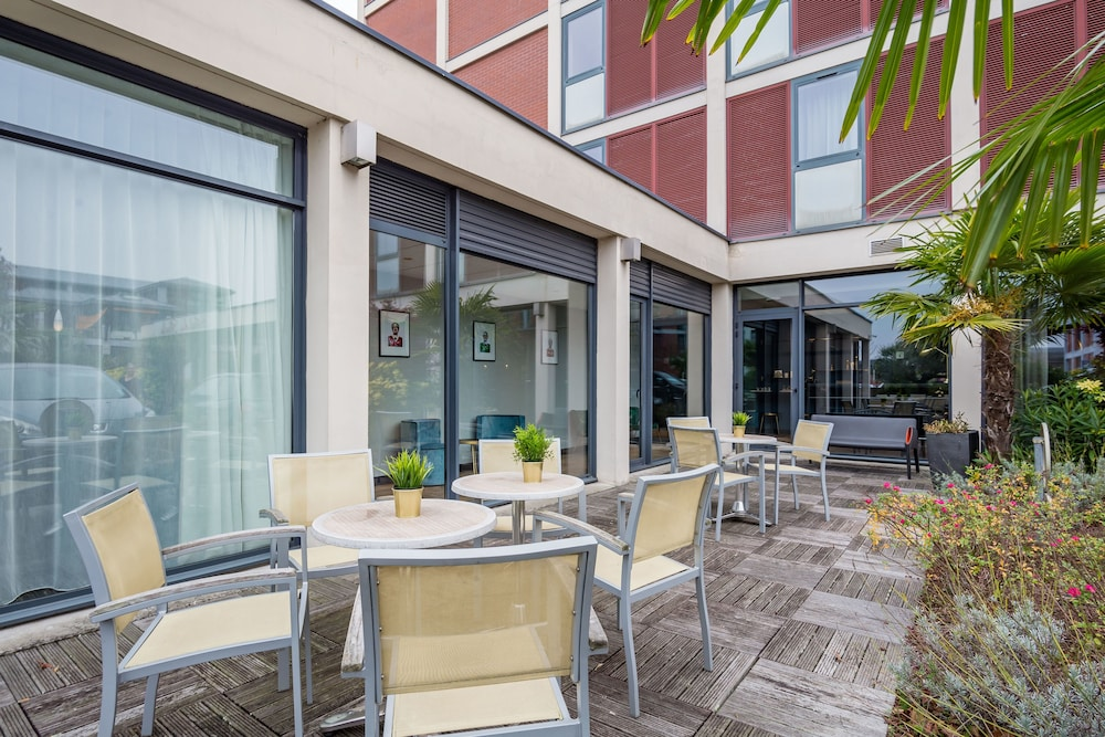 브릿 호텔 두 스타드(Brit Hotel Du Stade) Hotel Image 15 - Exterior