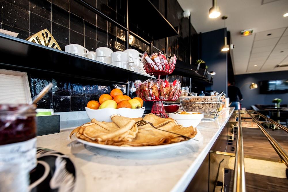 브릿 호텔 두 스타드(Brit Hotel Du Stade) Hotel Image 23 - Breakfast Meal