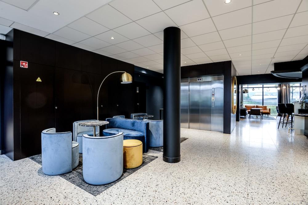 브릿 호텔 두 스타드(Brit Hotel Du Stade) Hotel Image 2 - Lobby