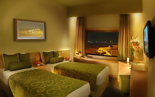 . Safir Airport Hotel