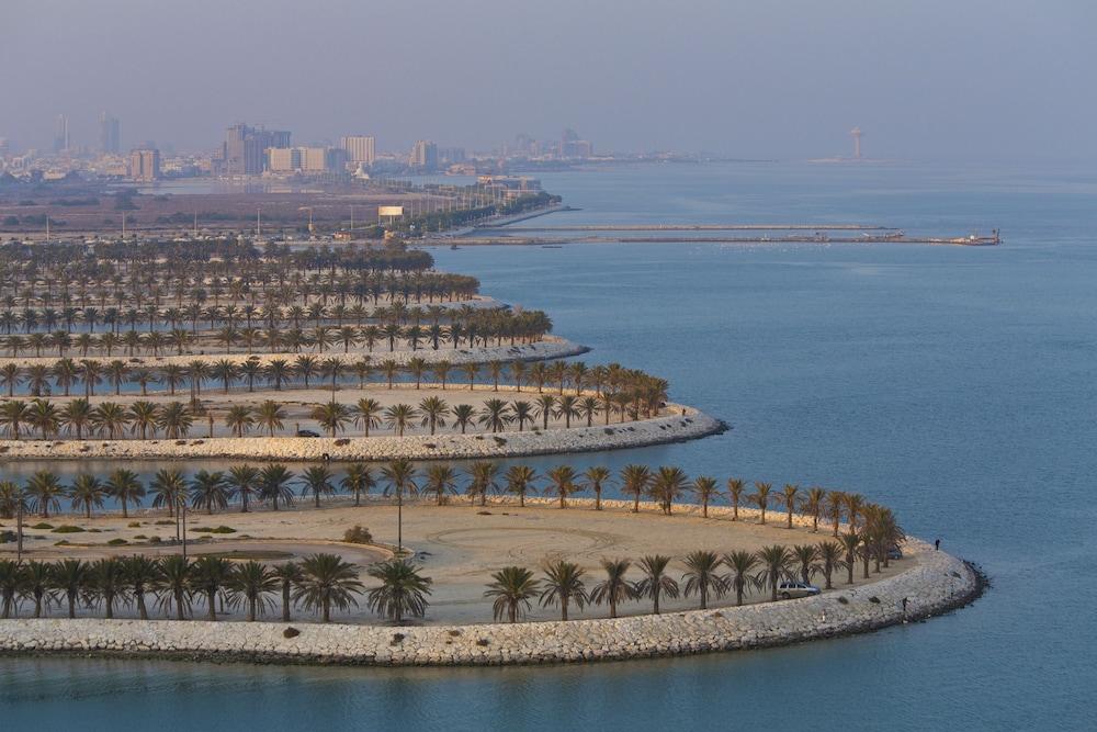 더블트리 바이 힐튼 호텔 다란(DoubleTree by Hilton Hotel Dhahran) Hotel Image 28 - Aerial View