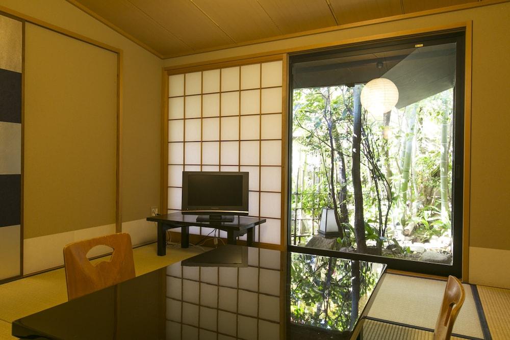 요시-이마(Yoshi-Ima) Hotel Image 10 - In-Room Dining