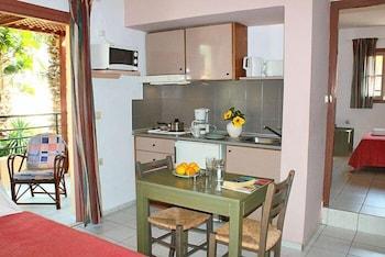 라타니아 아파트먼트(Latania Apartments) Hotel Image 11 - In-Room Kitchenette