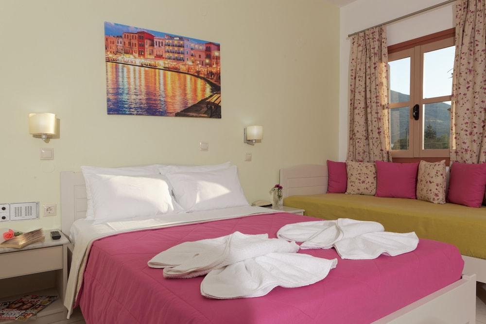 라타니아 아파트먼트(Latania Apartments) Hotel Image 7 - Guestroom
