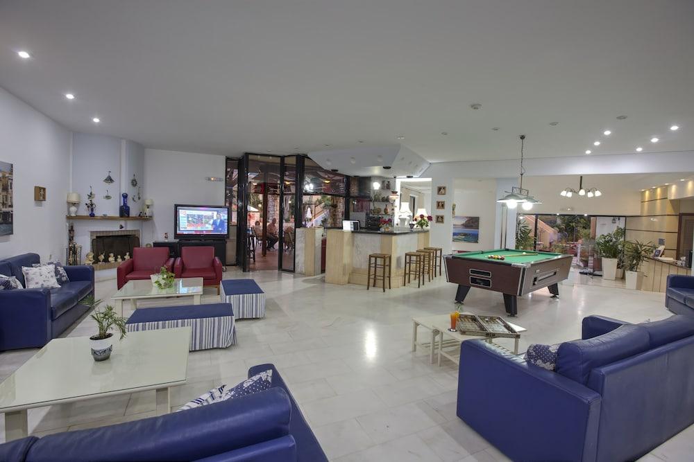 라타니아 아파트먼트(Latania Apartments) Hotel Image 21 - Game Room