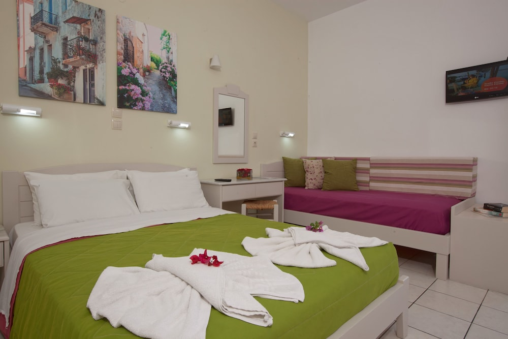 라타니아 아파트먼트(Latania Apartments) Hotel Image 8 - Guestroom