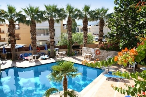 . Latania Apartments