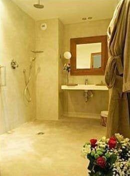 칸 빌라 세인트 바스(Cannes Villa St Barth) Hotel Image 18 - Bathroom