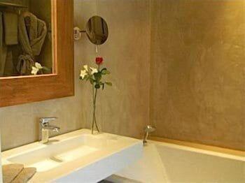 칸 빌라 세인트 바스(Cannes Villa St Barth) Hotel Image 22 - Bathroom Sink