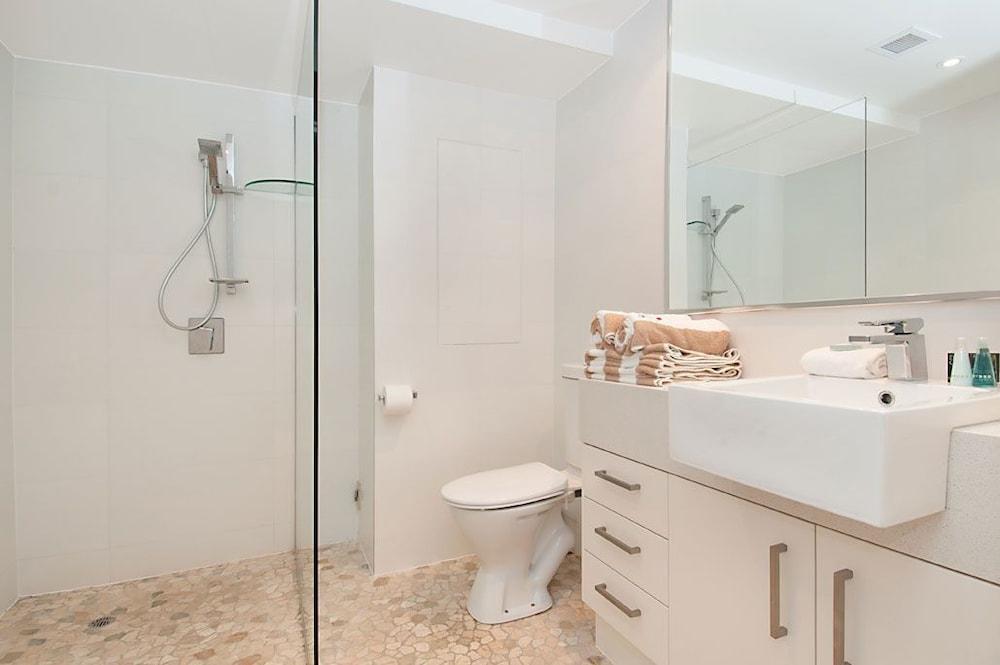페어쇼어 누사(Fairshore Noosa) Hotel Image 67 - Bathroom