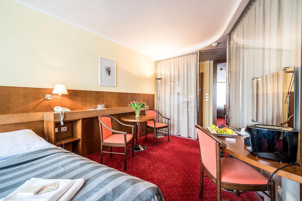 호텔 얀(Hotel Jana) Hotel Image 13 - Guestroom