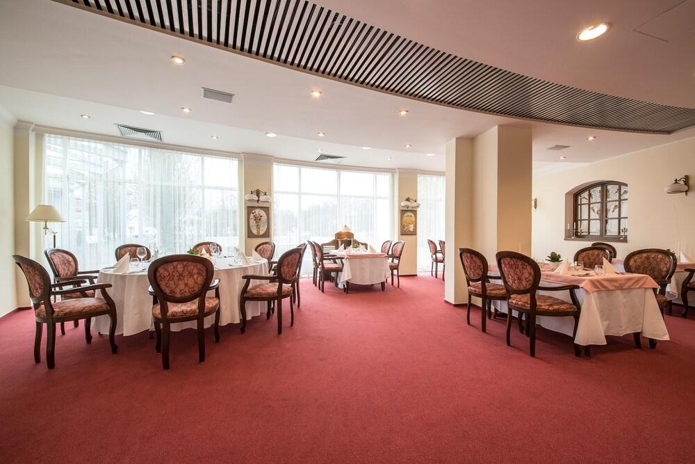 호텔 얀(Hotel Jana) Hotel Image 48 - Couples Dining