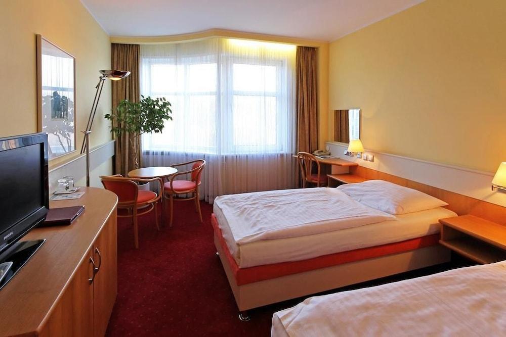 호텔 얀(Hotel Jana) Hotel Image 6 - Guestroom