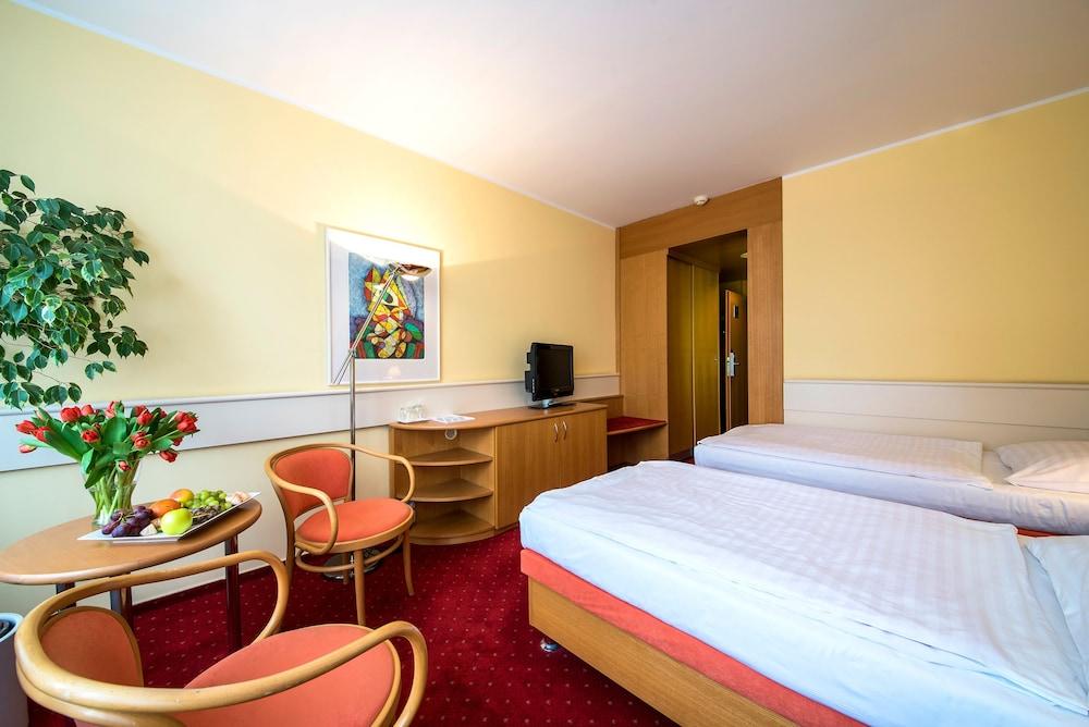 호텔 얀(Hotel Jana) Hotel Image 15 - Guestroom