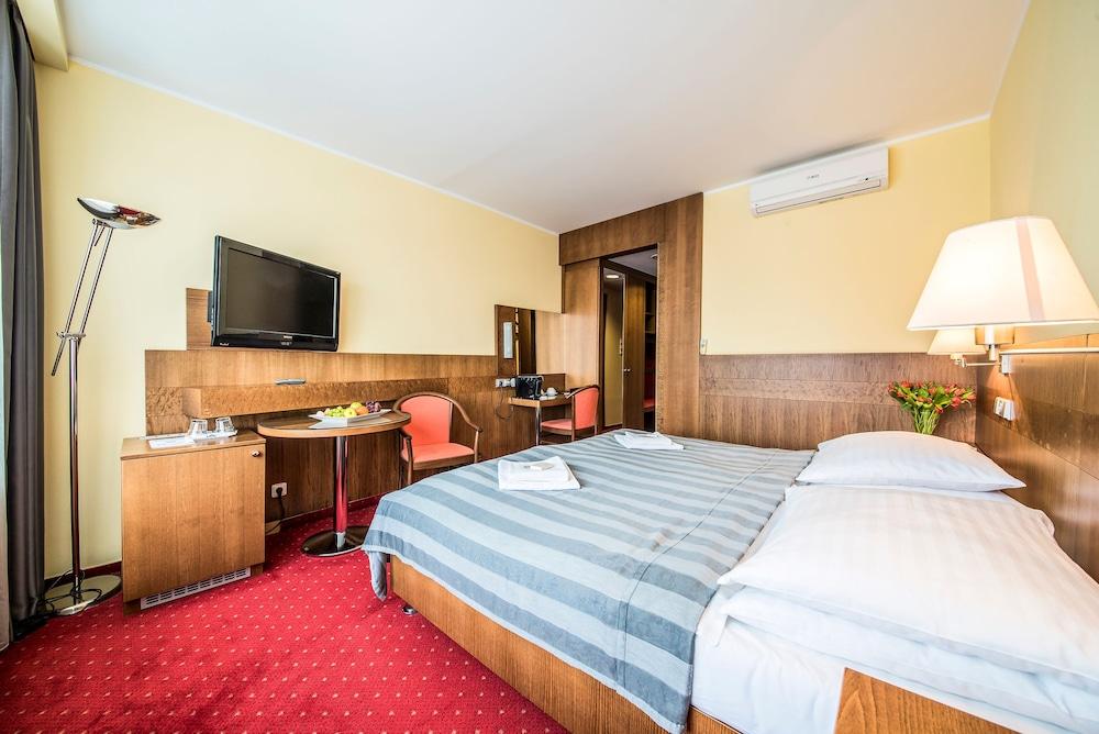 호텔 얀(Hotel Jana) Hotel Image 16 - Guestroom