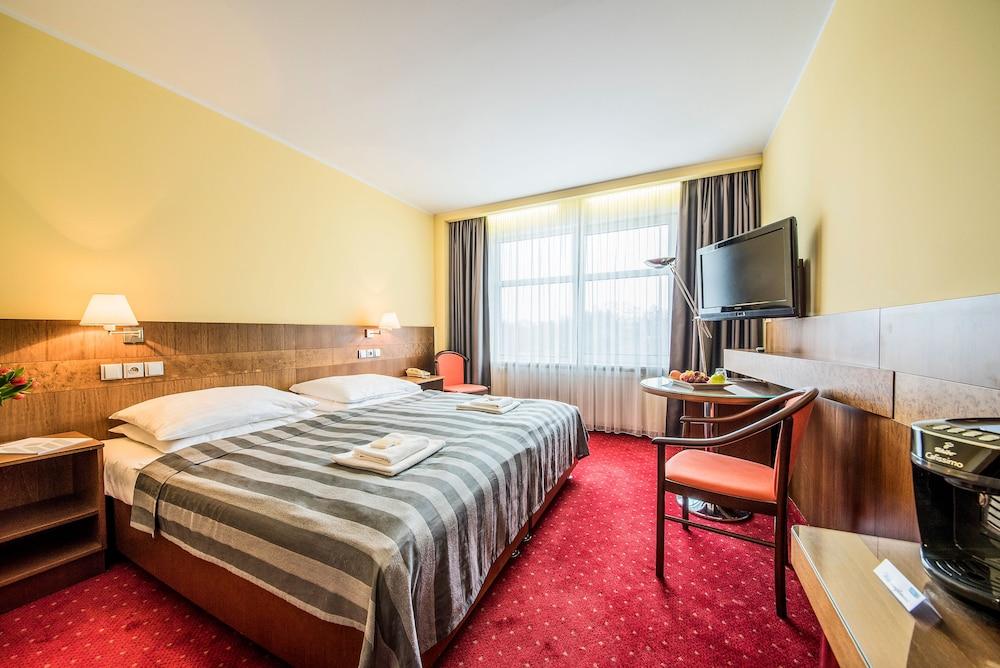호텔 얀(Hotel Jana) Hotel Image 17 - Guestroom
