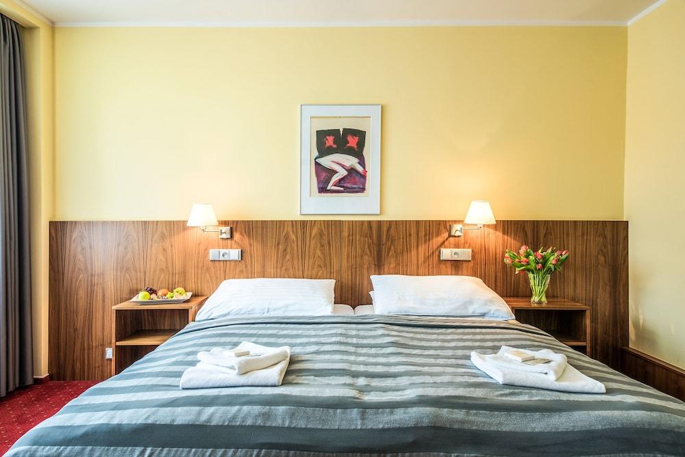 호텔 얀(Hotel Jana) Hotel Image 18 - Guestroom
