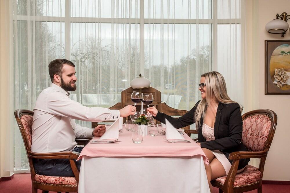 호텔 얀(Hotel Jana) Hotel Image 49 - Couples Dining