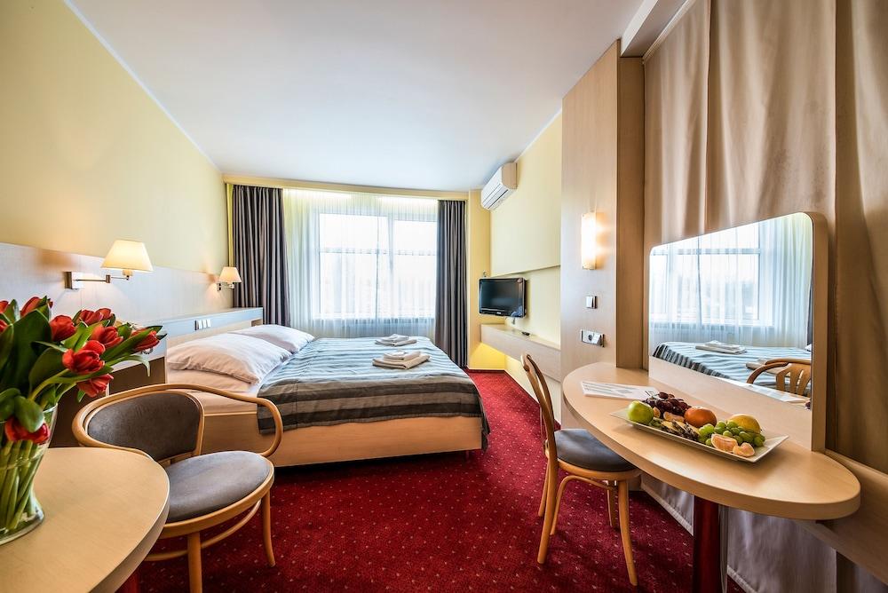 호텔 얀(Hotel Jana) Hotel Image 19 - Guestroom