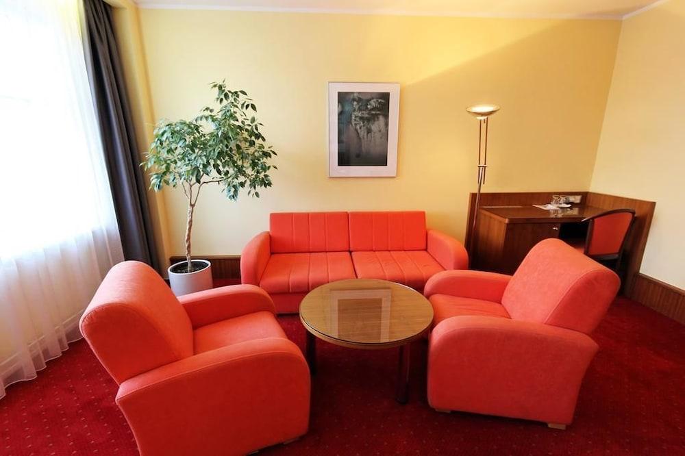 호텔 얀(Hotel Jana) Hotel Image 9 - Guestroom