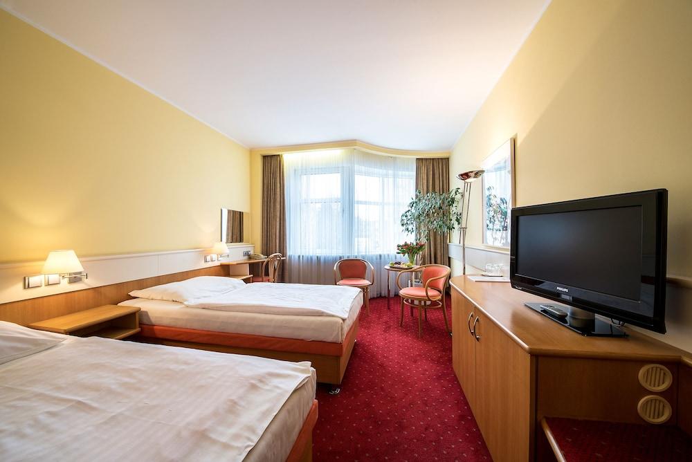 호텔 얀(Hotel Jana) Hotel Image 20 - Guestroom