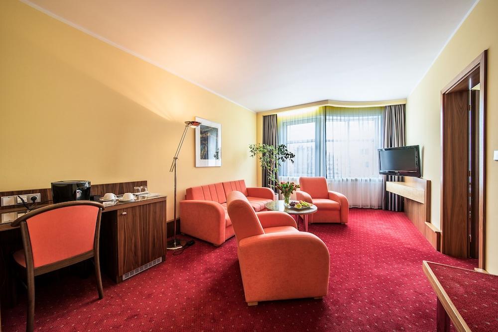 호텔 얀(Hotel Jana) Hotel Image 21 - Guestroom