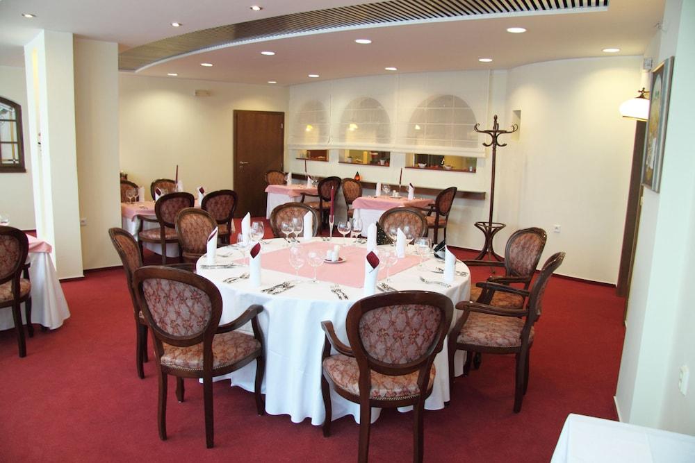 호텔 얀(Hotel Jana) Hotel Image 42 - Birthday Party Area