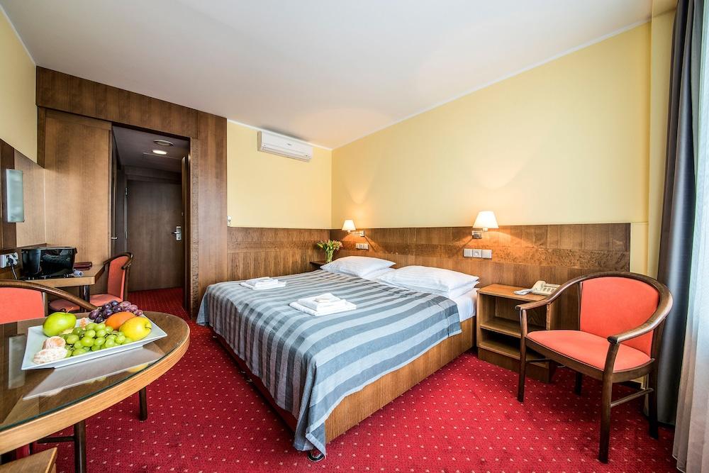 호텔 얀(Hotel Jana) Hotel Image 22 - Guestroom