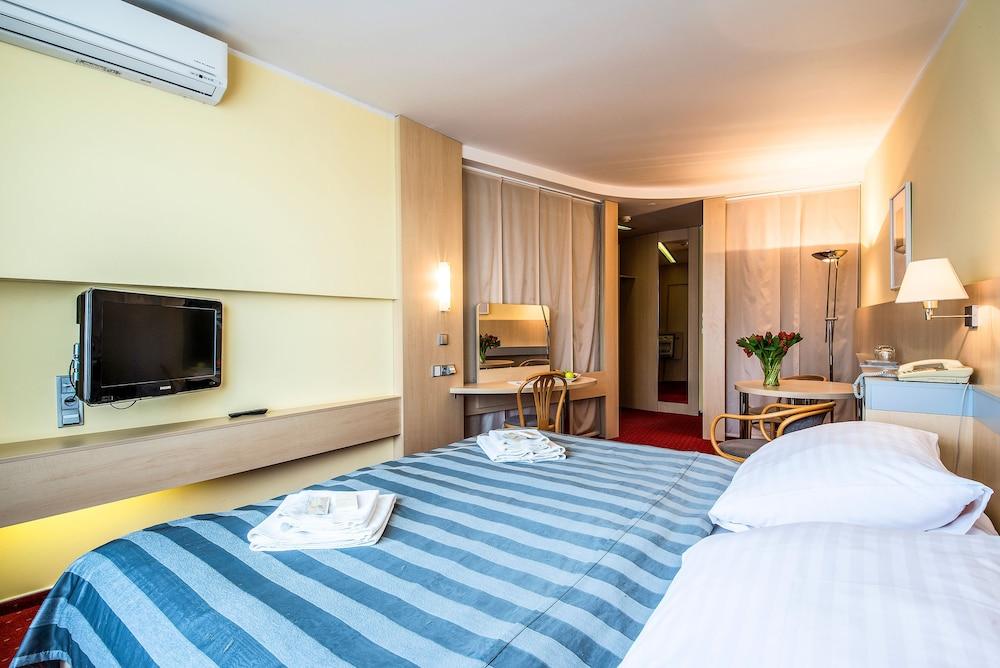 호텔 얀(Hotel Jana) Hotel Image 23 - Guestroom
