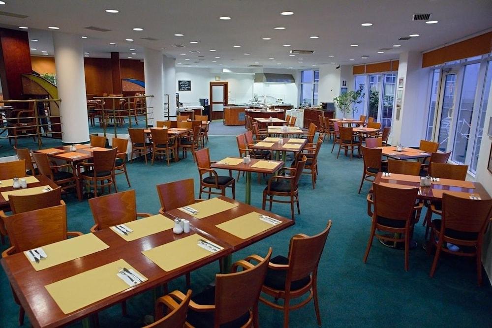 호텔 얀(Hotel Jana) Hotel Image 43 - Breakfast Area
