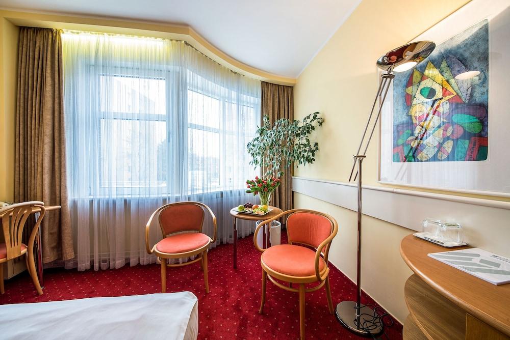 호텔 얀(Hotel Jana) Hotel Image 25 - Guestroom