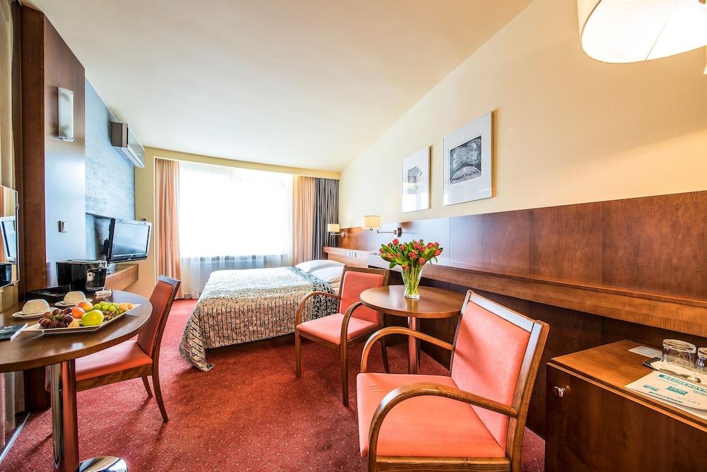 호텔 얀(Hotel Jana) Hotel Image 26 - Guestroom