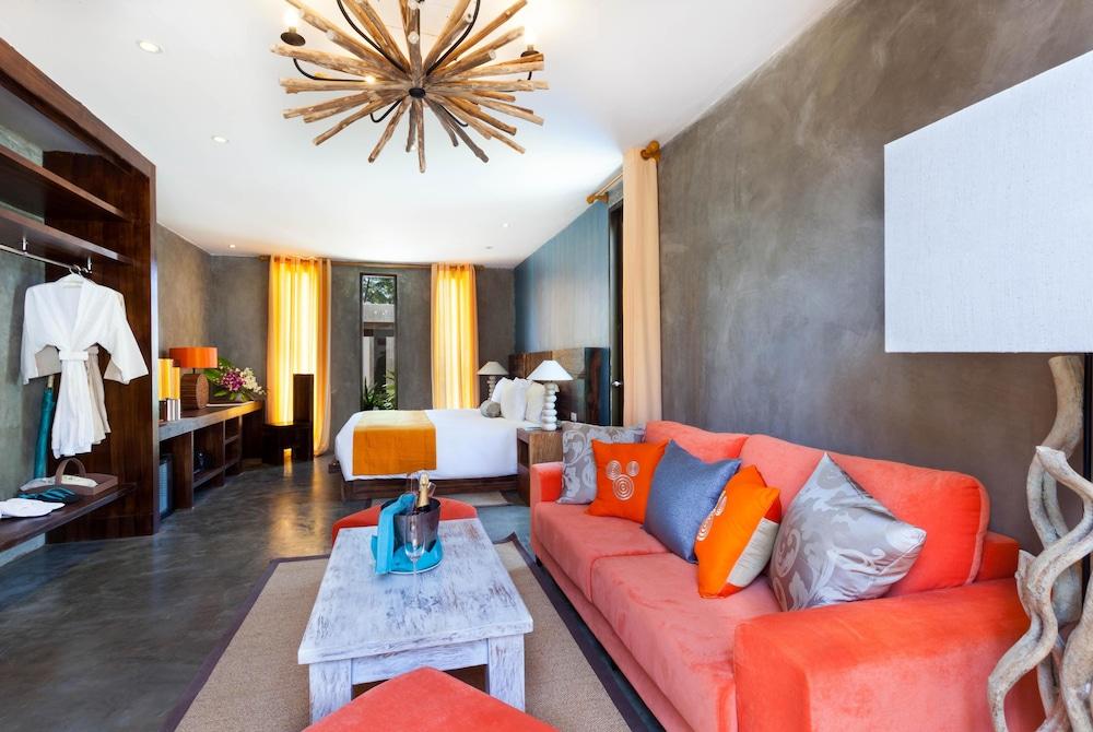 나타이 비치 리조트 & 스파 팡아(Natai Beach Resort & Spa Phang Nga) Hotel Image 23 - Living Area