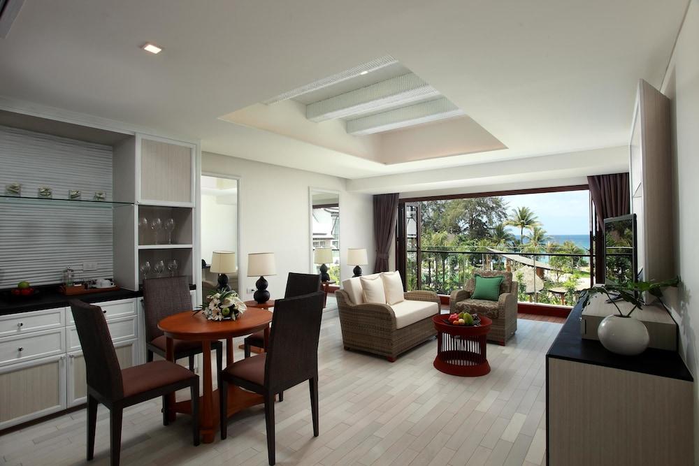 나타이 비치 리조트 & 스파 팡아(Natai Beach Resort & Spa Phang Nga) Hotel Image 20 - Living Area