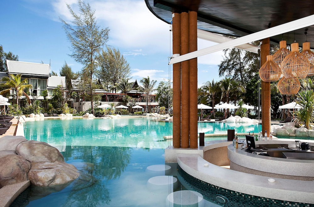 나타이 비치 리조트 & 스파 팡아(Natai Beach Resort & Spa Phang Nga) Hotel Image 61 - Poolside Bar