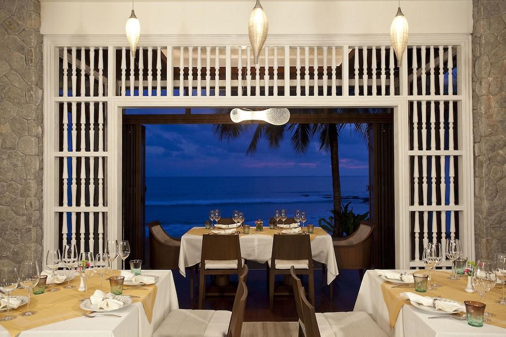 나타이 비치 리조트 & 스파 팡아(Natai Beach Resort & Spa Phang Nga) Hotel Image 58 - Restaurant