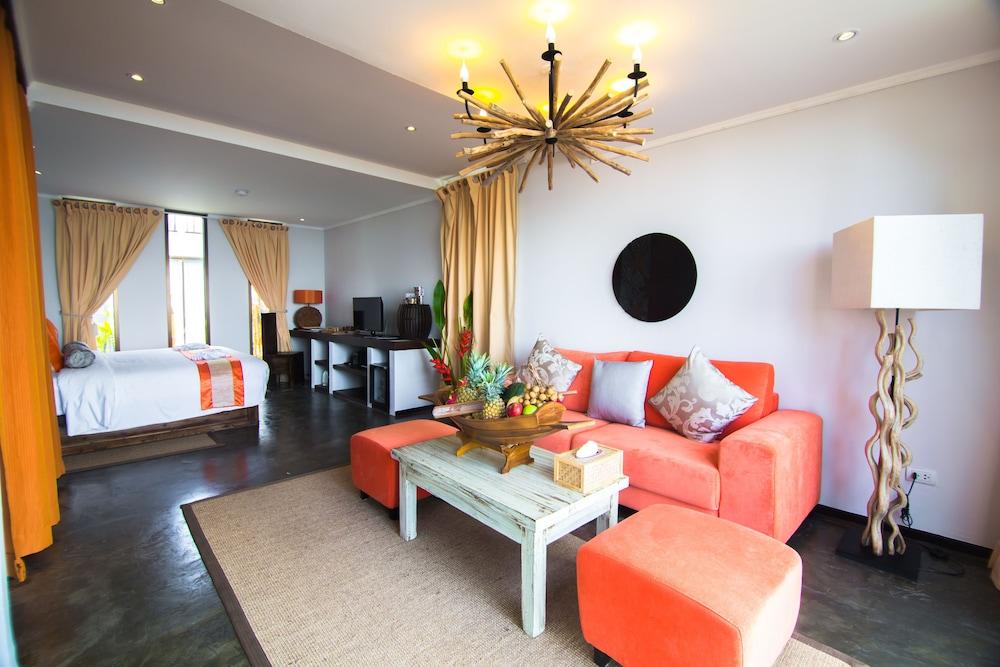나타이 비치 리조트 & 스파 팡아(Natai Beach Resort & Spa Phang Nga) Hotel Image 24 - Living Area