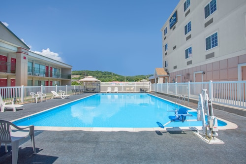 Microtel Inn & Suites by Wyndham Harrisonburg, Harrisonburg