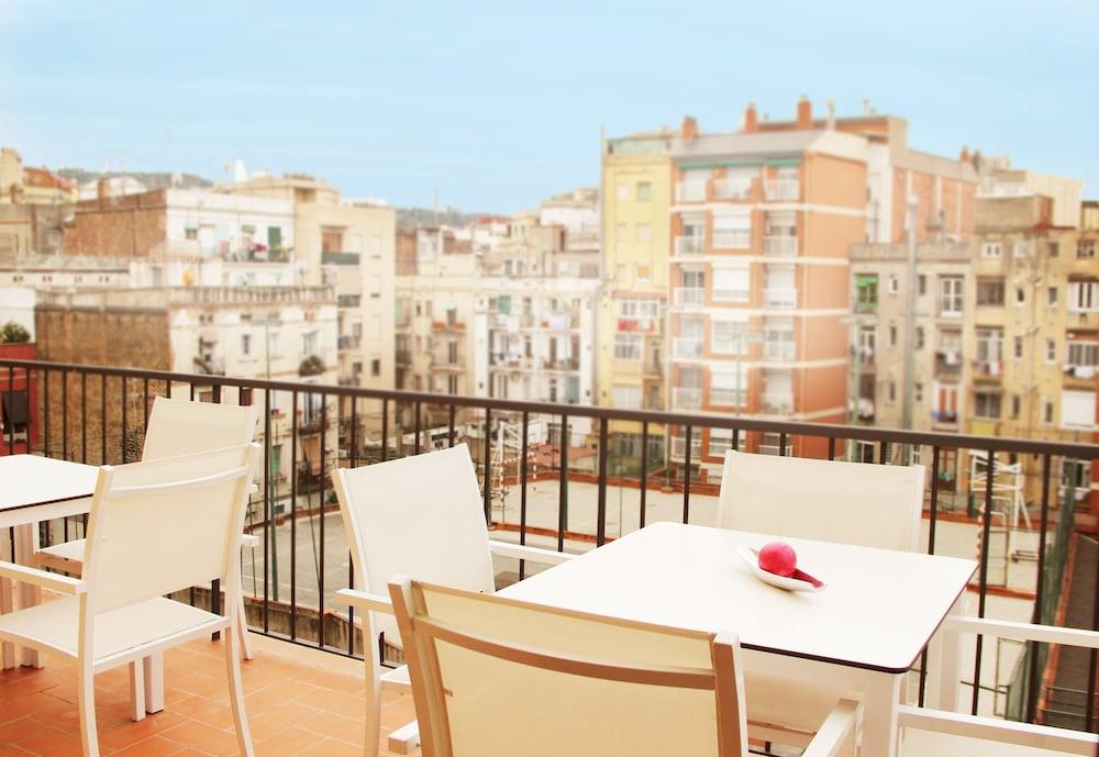 MH 아파트먼츠 센터(MH Apartments Center) Hotel Image 12 - Balcony
