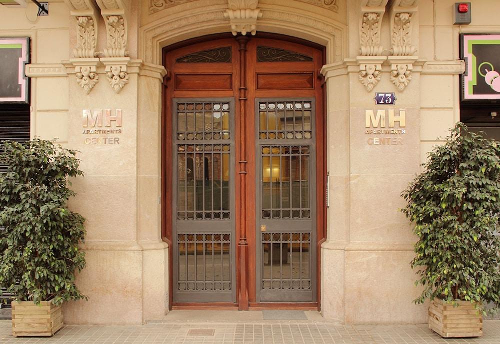 MH 아파트먼츠 센터(MH Apartments Center) Hotel Image 18 - Hotel Entrance