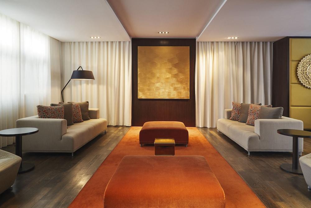 하이파크 바이 아다지오 마르세유(Hipark by Adagio Marseille) Hotel Image 2 - Lobby Sitting Area