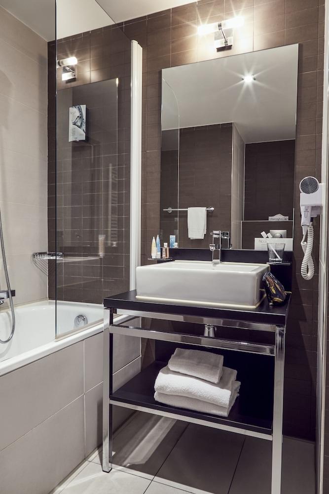 하이파크 바이 아다지오 마르세유(Hipark by Adagio Marseille) Hotel Image 37 - Bathroom