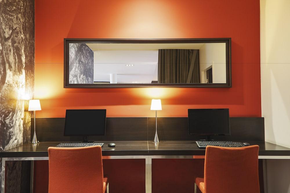 하이파크 바이 아다지오 마르세유(Hipark by Adagio Marseille) Hotel Image 47 - Business Center