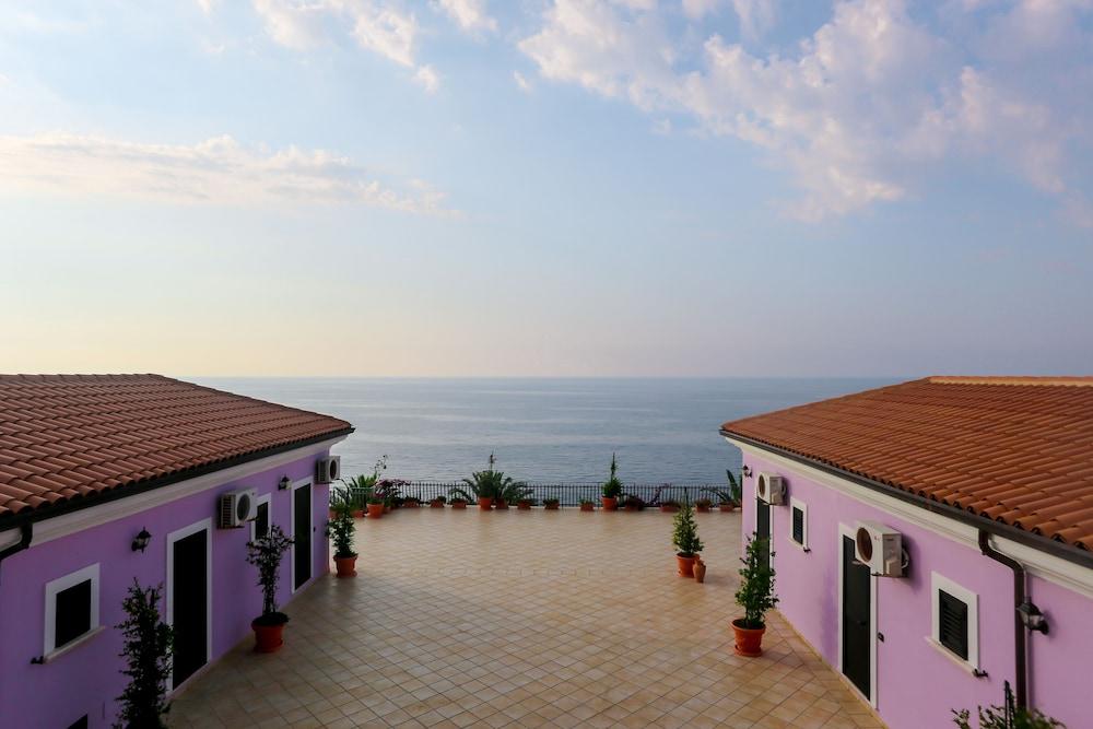 빌라지오 호텔 리도 산 쥬세페(Villaggio Hotel Lido San Giuseppe) Hotel Image 6 - Terrace/Patio