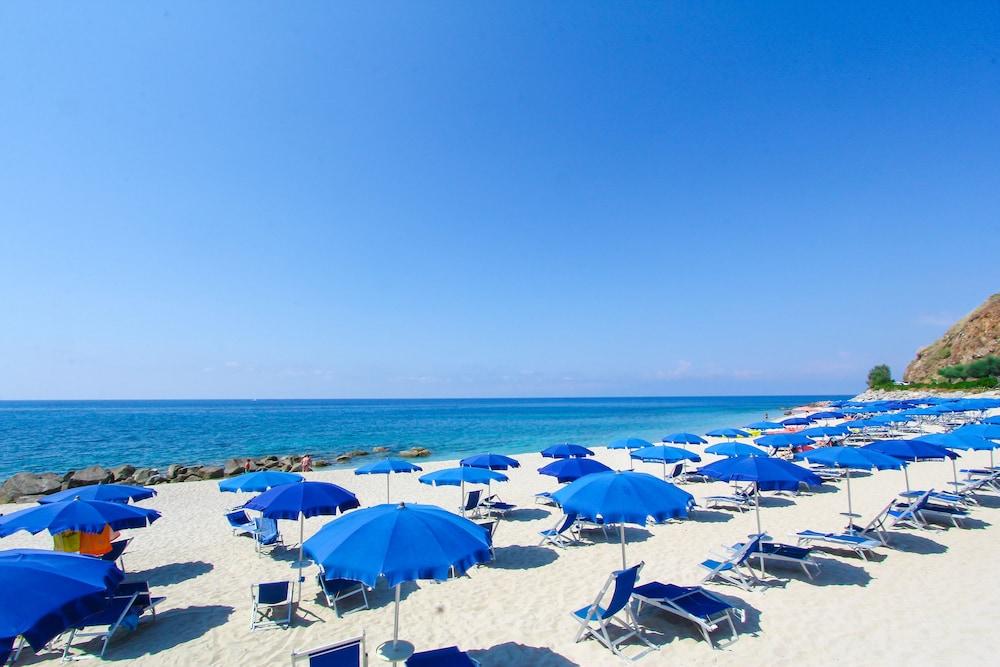 빌라지오 호텔 리도 산 쥬세페(Villaggio Hotel Lido San Giuseppe) Hotel Image 23 - Beach