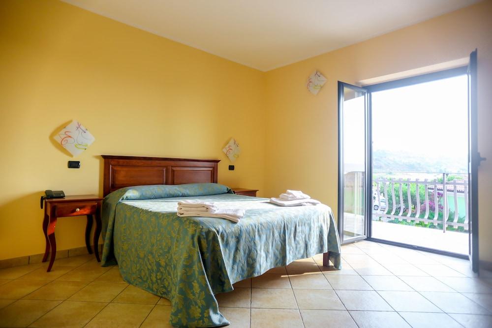 빌라지오 호텔 리도 산 쥬세페(Villaggio Hotel Lido San Giuseppe) Hotel Image 16 - Guestroom