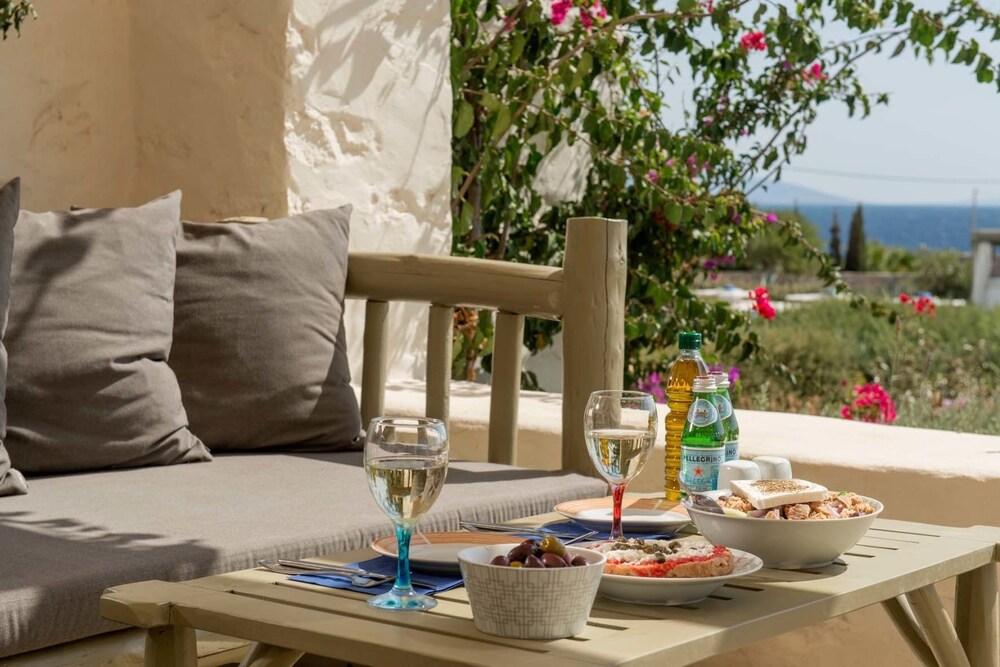 스타고네스 럭셔리 빌라(Stagones Luxury Villas) Hotel Image 39 - Balcony