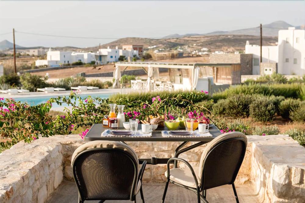 스타고네스 럭셔리 빌라(Stagones Luxury Villas) Hotel Image 35 - Balcony