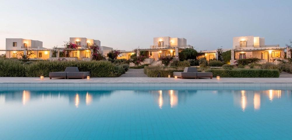 스타고네스 럭셔리 빌라(Stagones Luxury Villas) Hotel Image 1 - Pool